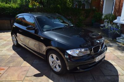 BMW 1 Series 1.6 116i SE 3dr [122] Hatchback Petrol BlackBMW 1 Series 1.6 116i SE 3dr [122] Hatchback Petrol Black at Rupert Goalen London